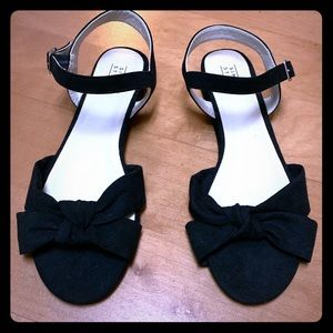 Simply styled Brand New Black Suede Sandals Sz 8